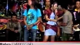 ''Gala Gala'' Rena KDI Monata   YouTube 2