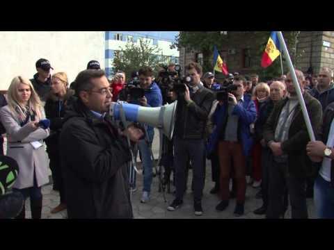 Пикет у CNA: сотни активистов требуют освобождения Усатого (24.10.15)