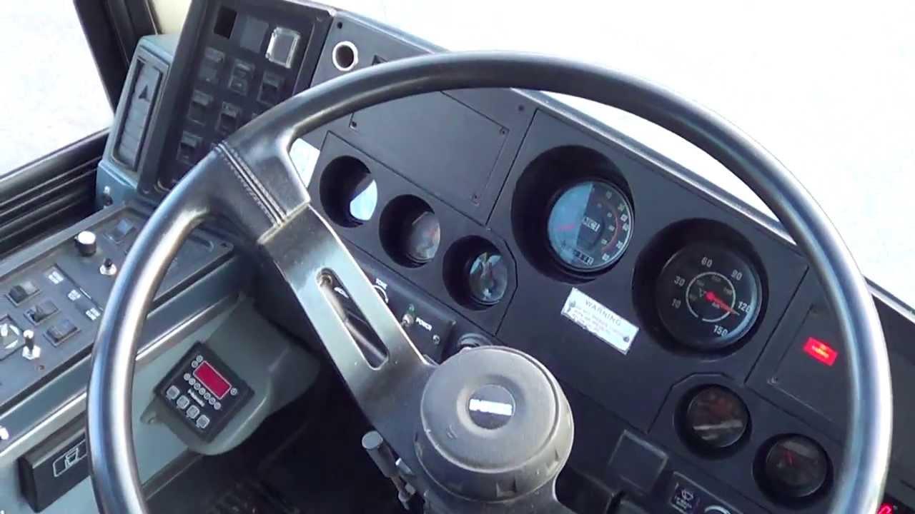 C52159 1999 MCI 102 DL3 55 Passenger Motor Coach New Paint