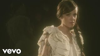 Alizée - A cause de l'automne (Official Music Video)