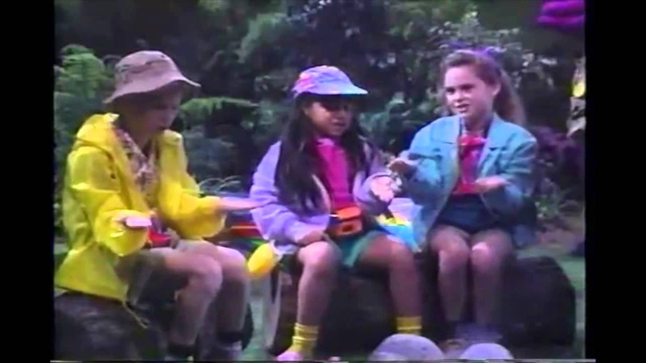 OpeningClosing To Barney The Backyard Gang Waiting For Santa - Barney backyard gang concert vhs