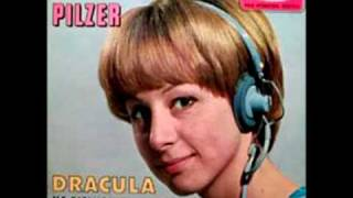 Christine Pilzer   Dracula