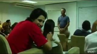 Repeat youtube video Como Hacer Enojar a los Profesores