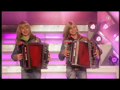 Die Twinnies - Peinlich (Die Neuen Sommerhit Von Die Twinnies !)