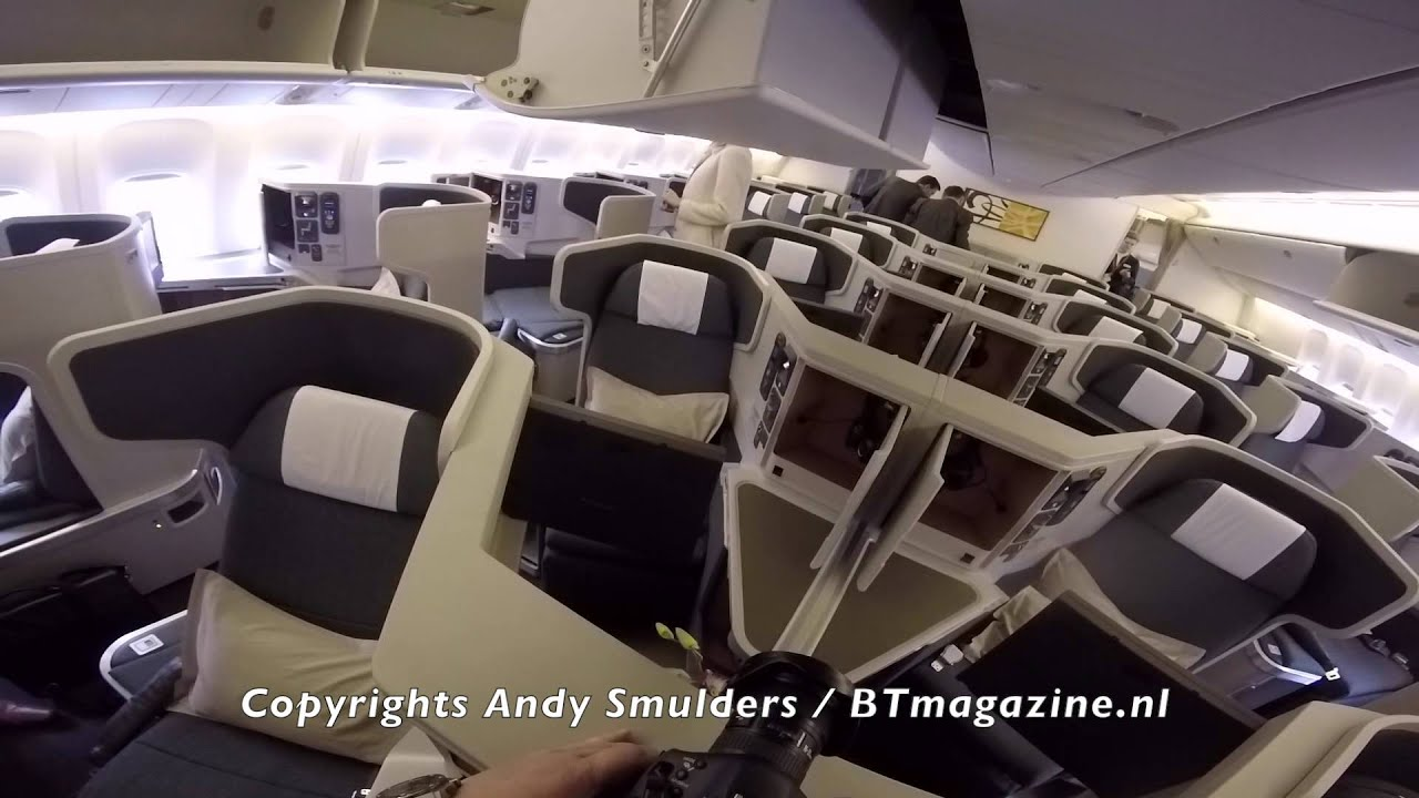 Cathay pacific nieuwe cabin boeing 777 300 er youtube for Interieur 777 300