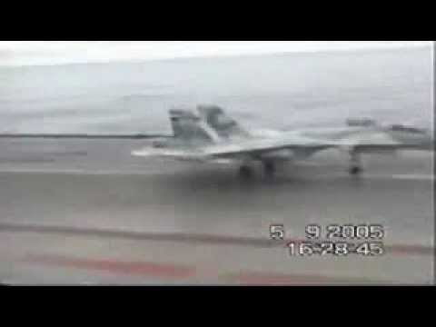 SU-33 Russian Landing accident on Admiral Kuznetsov