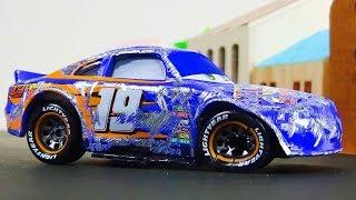 Bobby Swift Crash & Repair!  Disney Cars Toys Video for Kids