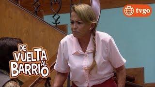 ¡Don Benigno le dio un gran beso a Mamá Rosa! - De Vuelta al Barrio 04/04/2018
