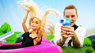 Лайфхак от Барби - Как высушить волосы. Видео для девочек
