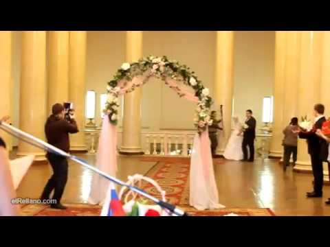 novia se desnuda en su boda