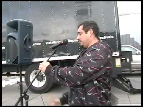 How to Properly Setup a Small PA (Mackie SRM 450 Powered Speaker with a Microphone)