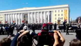9 мая 2013 года г. Ульяновск, площадь Ленина. Шествие колонн на параде.