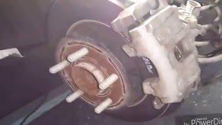 замена колодок задних дисковых тормозов