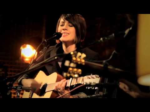Tegan and Sara - Nineteen (Live) [Get Along DVD]