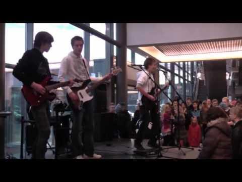 DumDum Boys - Splitter Pine