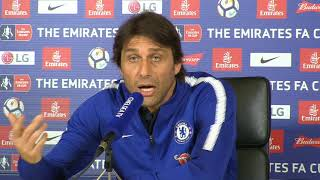 Conte seemingly not impressed with Morata form