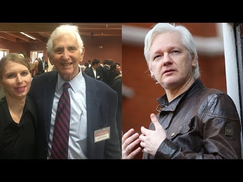 Daniel Ellsberg on Julian Assange's Espionage Charges
