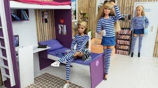 Barbie Sisters School Life morning routine. New School dolls uniform for Barbie.