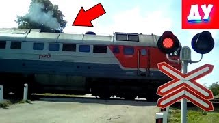 Дизельный Товарный Поезд и Железнодорожный Переезд видео для Детей
