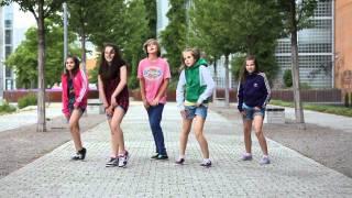 Kids dancing on the street  • Crew: First Class • Dance Show Video by Gammabit Films(First Class - Video Compilation 2012 - http://www.youtube.com/watch?v=Dnw5qTMi9J0 Im Video einige Tänzer der Tanzsgruppe First Class mit Teilen ihrer ..., 2011-05-15T16:14:08.000Z)