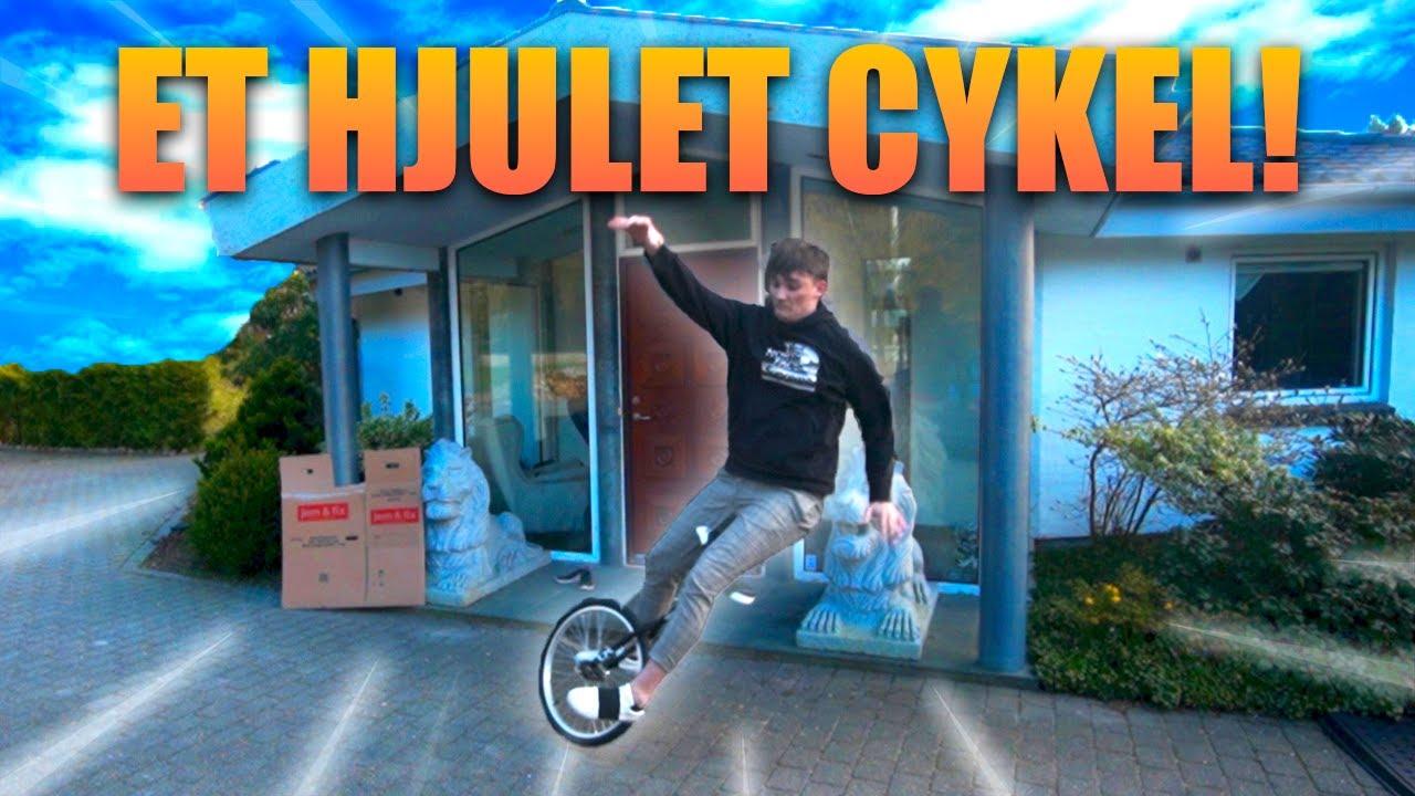 Jeg skulle lære at køre et-hjulet cykel på en uge, og dette var resultatet
