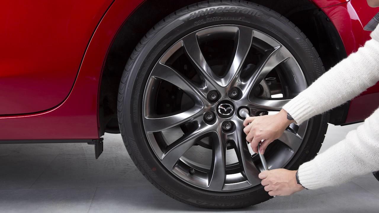 Verwonderend Plaatsbesparend Reservewiel | Mazda2 - YouTube XF-65