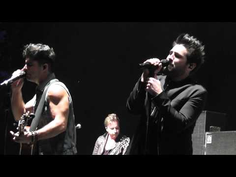 "Dan + Shay - ""What You Do To Me"" Live 2014 WI"