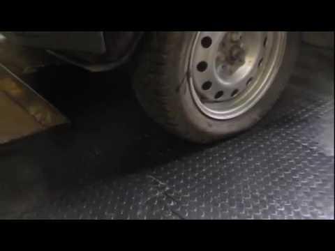 Резиновые напольные покрытия в гараже