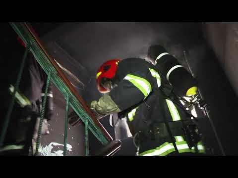 MNSKHM: У Хмельницькому на пожежі в 5 поверхівці вогнеборці врятували 5 людей, з яких 1 дитина