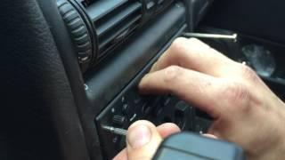 Як зняти стандартну магнітолу з Opel Astra