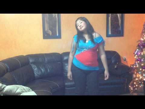 Kari del Rocio Cantando