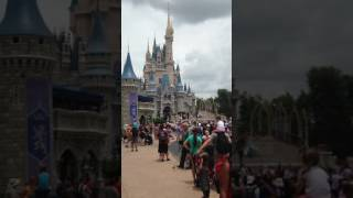 Partial Let It Go performance from Elsa in front of Cinderella's castle at Magic Kingdom