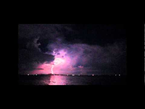 Pattaya Lightning Strike - ฟ้าแลบ ฟ้าผ่าที่ทะเลพัทยา