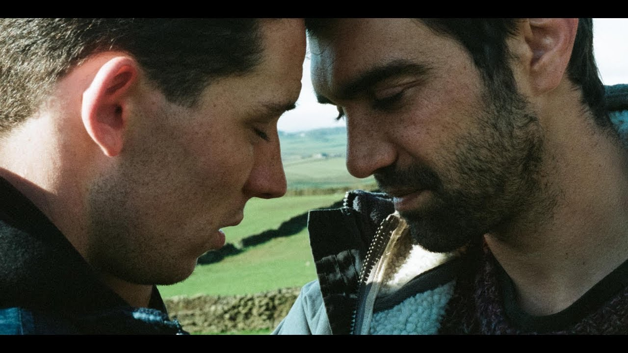 MELHOR FILME GAY DO ANO ''God's Own Country'' FILME GAY COMPLETO (Link na D