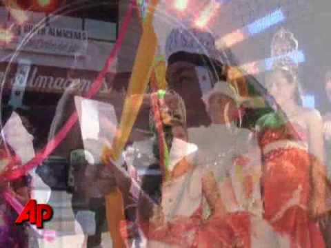 Raw Video: Gay Men In Mexico Crown A Queen