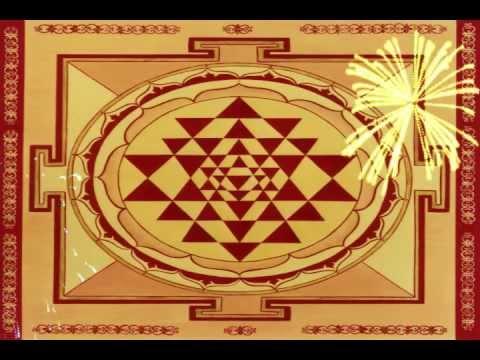 Extremely Powerful Lakshmi Mantra & Sri Yantra