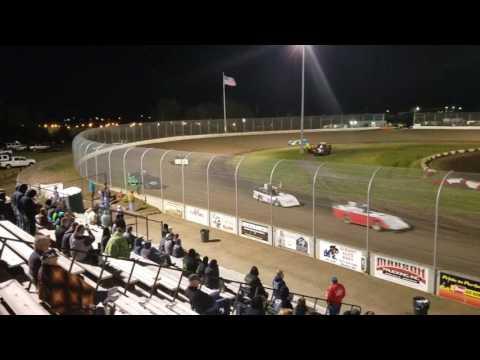 Dave Miller #55 Part 1 Main event Willamette Speedway 04/29/17