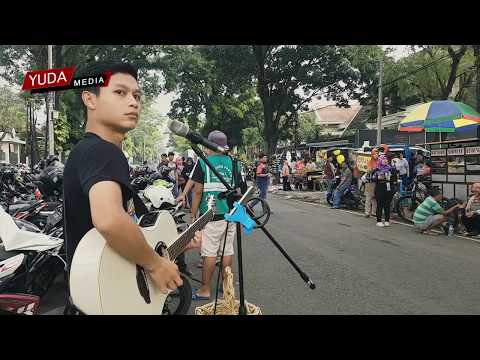 Tentang Cinta - Ipang Lazuardi (Cover Musisi Jalanan Bad Boy Malang)
