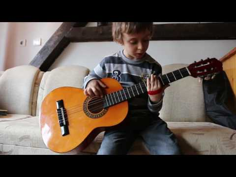 Ivo (6 years old) - Iron Man (guitar cover)