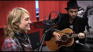 Studio Brussel: Metric 'Gimme sympathy'