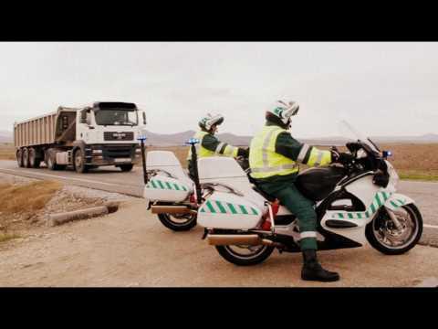 Carbon con escolta ( La Guardia Civil escolta a los Camiones de Carbon )