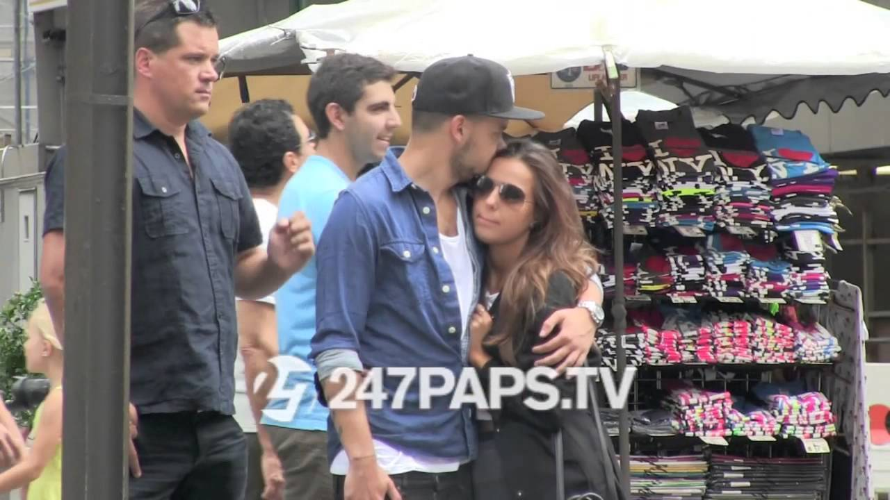 b3d903c47afb4f (Exclusive) Liam Payne with GirlFriend Sophia Smith strolling On 5th ave in  NYC 08-03-14 - YouTube