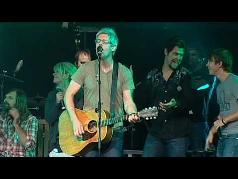 Matt Maher - Hold Us Together (live on the Glory Revealed Tour)