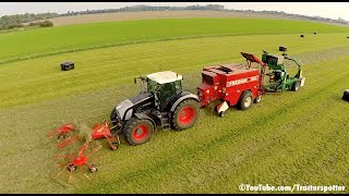 Grass Raking Baling & Wrapping in one pass | Fendt 936 Vario Black Beauty | De Buck thumbnail