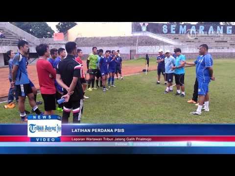Subangkit Gembleng Pemain PSIS Semarang Saat Latihan Perdana