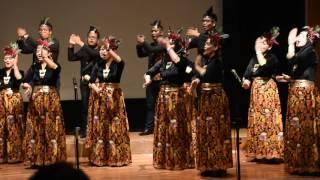 Yamko Rambe Yamko oleh Paduan Suara LPS di HUT OJK ke-5