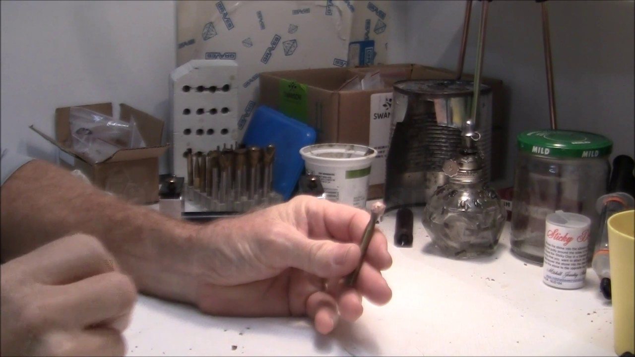 Faceting gemstones, cutting opal