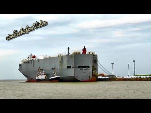 Tianjin Highway IMO 9294355 mit Tankschiff Heide IMO 8517542 bunkering car carrier Emden