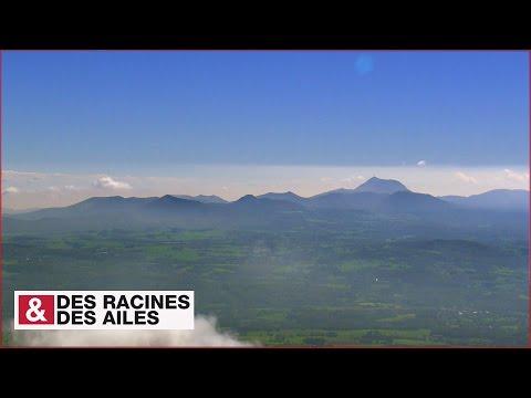 Du Sancy au Puy de Dôme, la chaîne des Puys vue du ciel