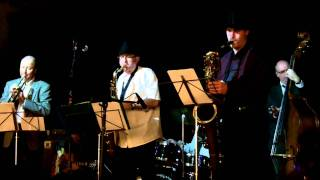 Garage Jazz band nostalgia in a time square Coda 110115.MOV